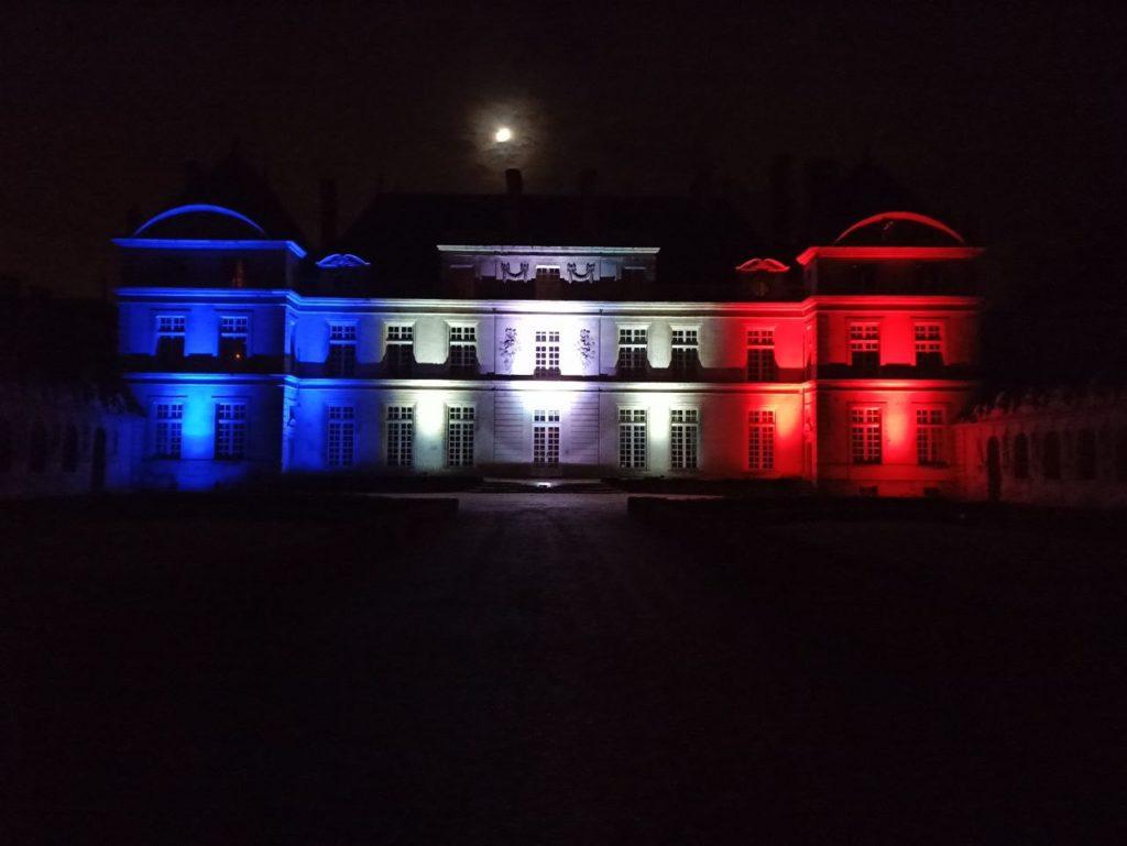 Eclairage de façade d'un chateau pour le 14 juillet